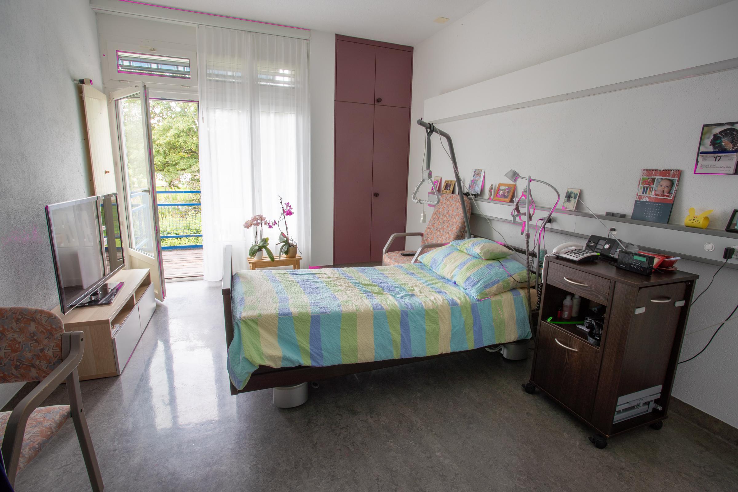 Chambre simple avec balcon de la Résidence la Courtine